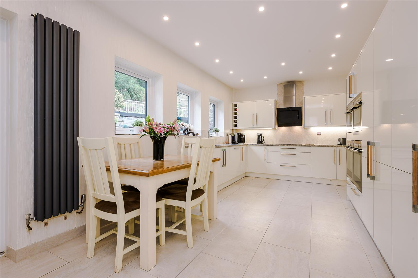 4 bedroom detached house Sale Agreed in Bolton - DSC_0586.jpg.